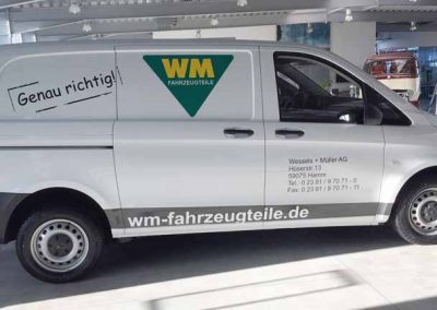 """Busbeschriftung """"WM Fahrzeugteile"""""""